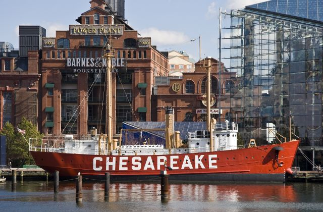 Lightship Chesapeak, Baltimore, MD (By Acroterion (Own work) [CC BY-SA 3.0 (http://creativecommons.org/licenses/by-sa/3.0)], via Wikimedia Commons)