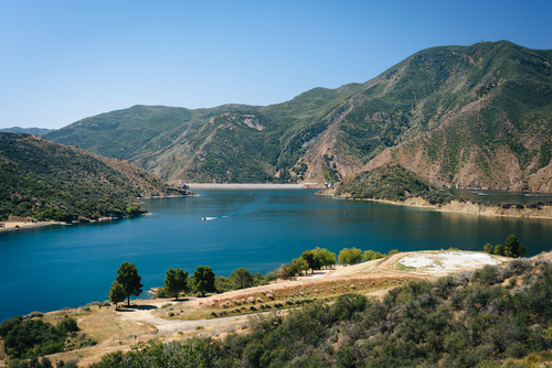 Van Nuys CA RV Rentals for camping at Pyramid Lake