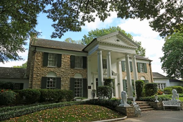 Elvis Presley's home, Graceland in Memphis, TN